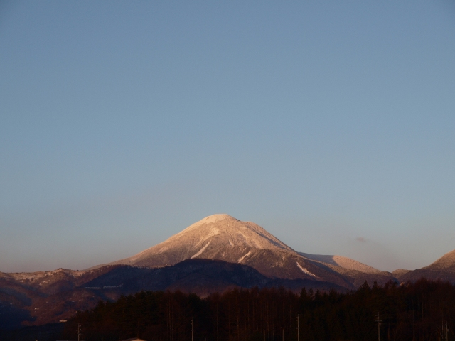 夕焼け色の蓼科山