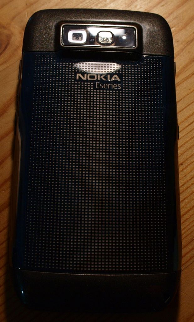 Nokia E71 backside