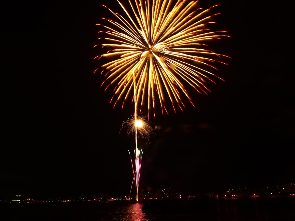 諏訪湖の花火もあと一週間(連夜のサマーナイトファイヤーフェスティバルへようこそ)