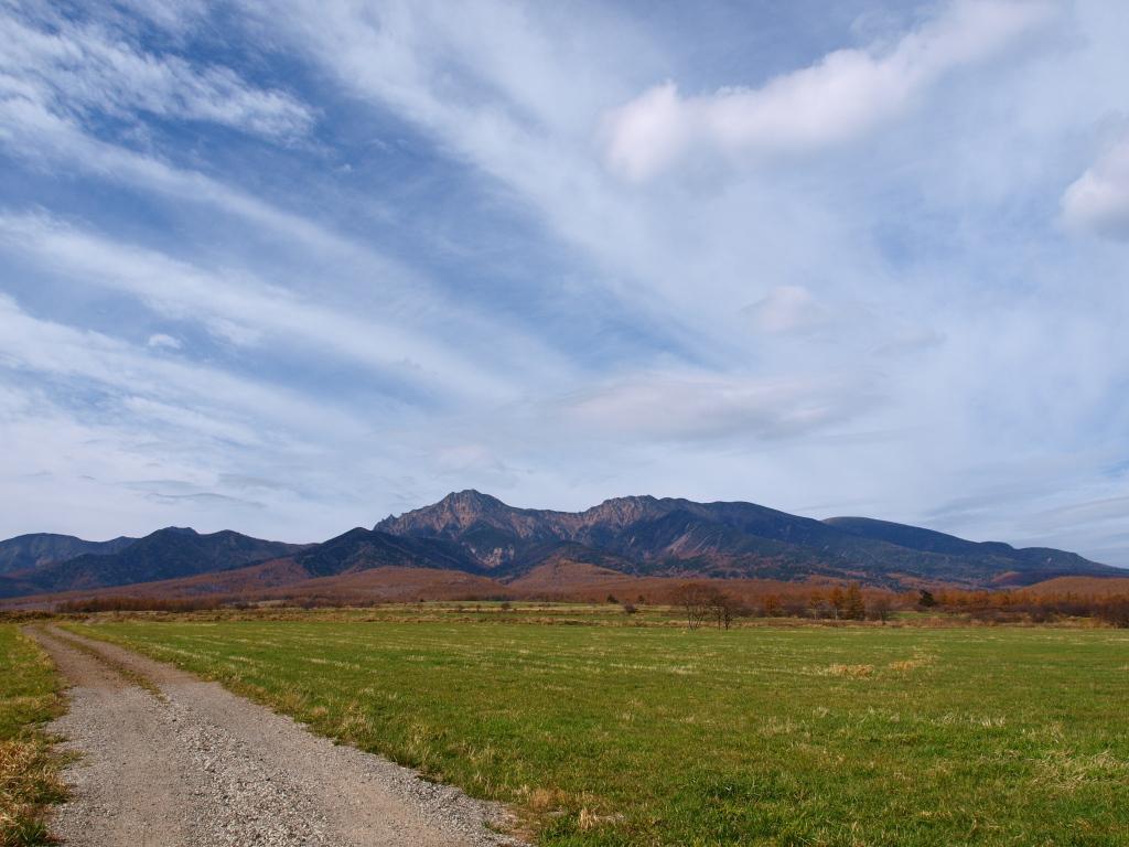 八ヶ岳牧場から晩秋の八ヶ岳を1
