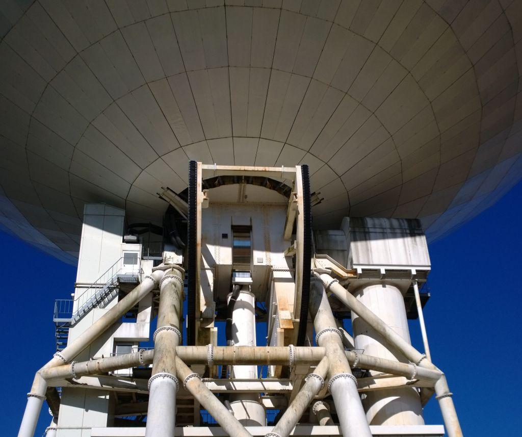 野辺山天文台の45mパラボラ4アップ