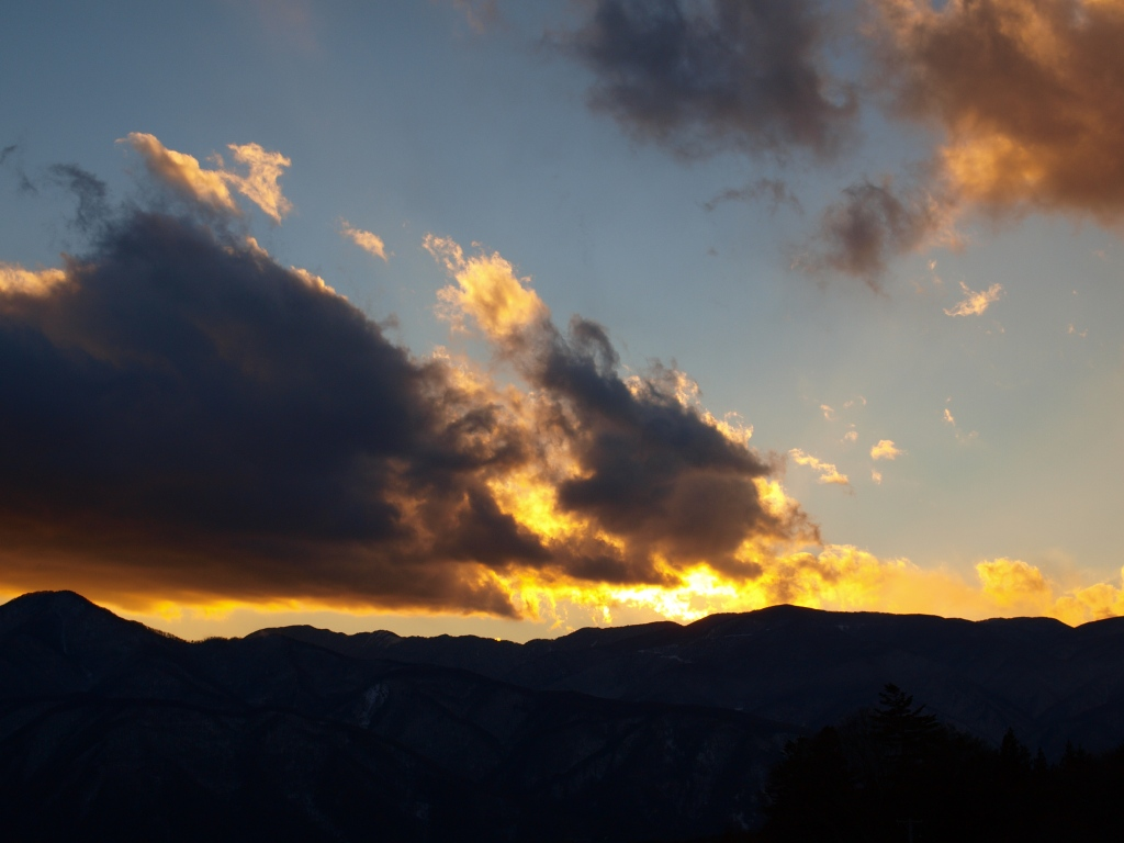夕暮れにたなびく雲