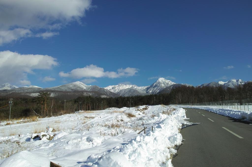 鉢巻道路から雪の八ヶ岳遠望
