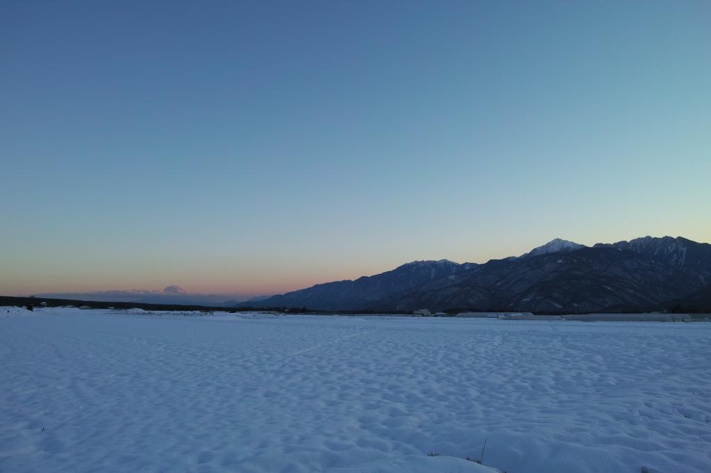 夕暮れの雪原・瀬沢新田