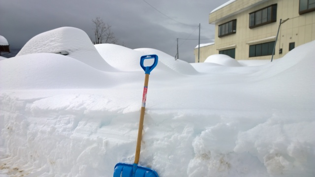 2/15除雪前の駐車場