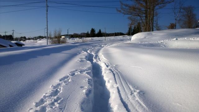 除雪の済んでいない道路