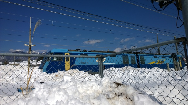 2/17甲府から除雪をしてきた電気機関車