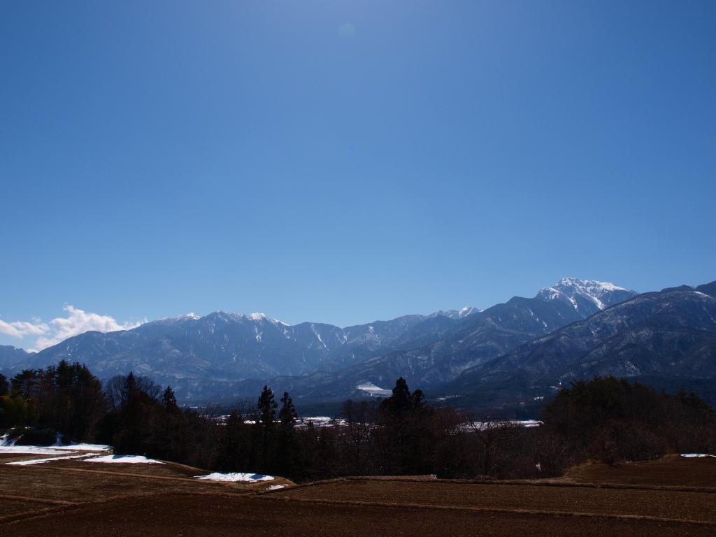 午後の南アルプスの山々