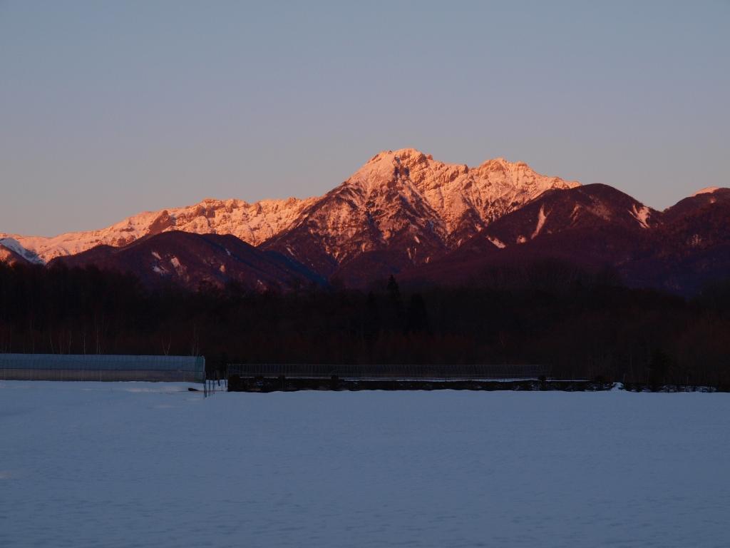 夕焼けに染まる八ヶ岳