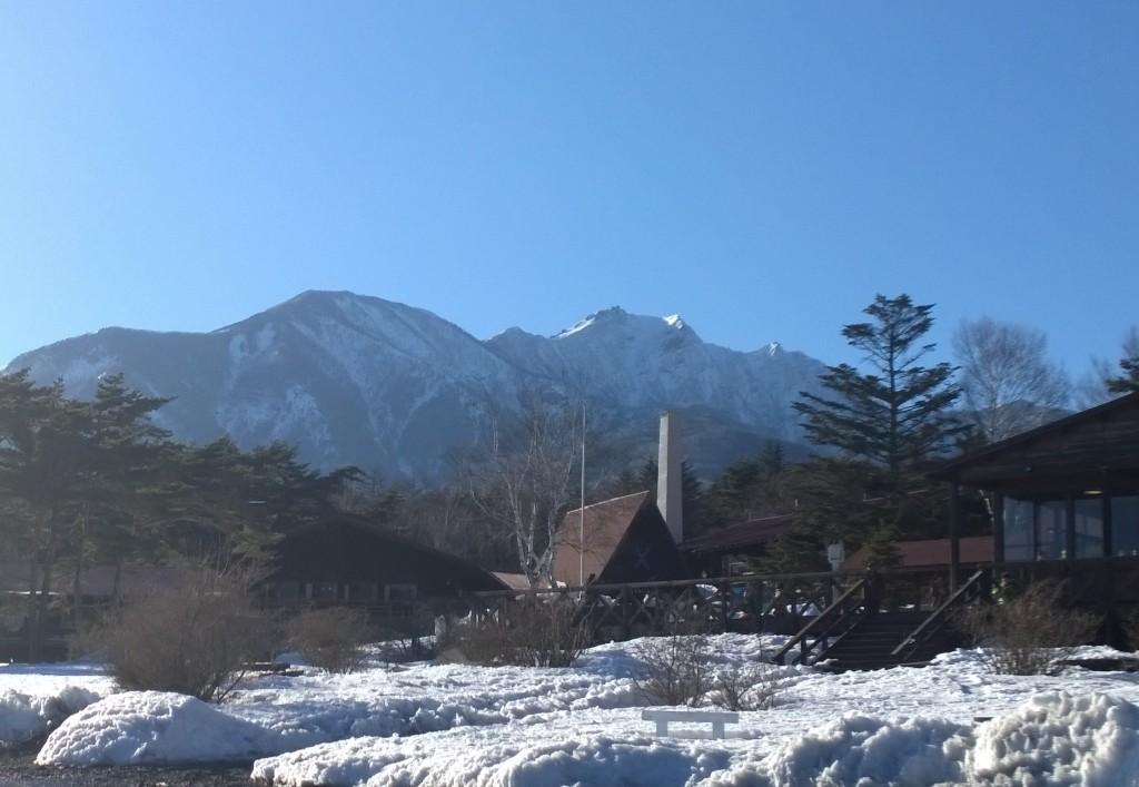 清泉寮から雪を頂く八ヶ岳