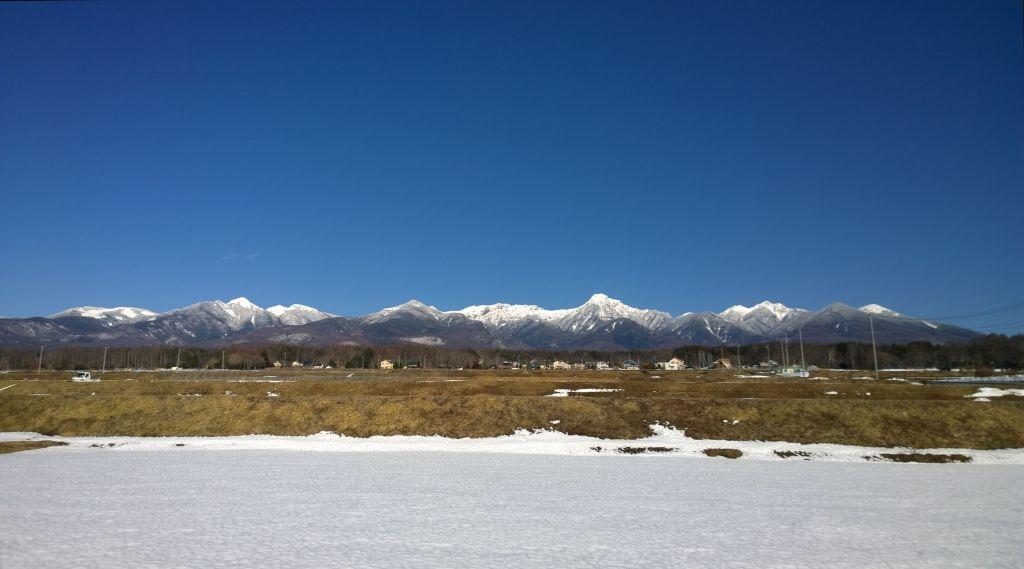 春先の夕暮れ・南八ヶ岳全景