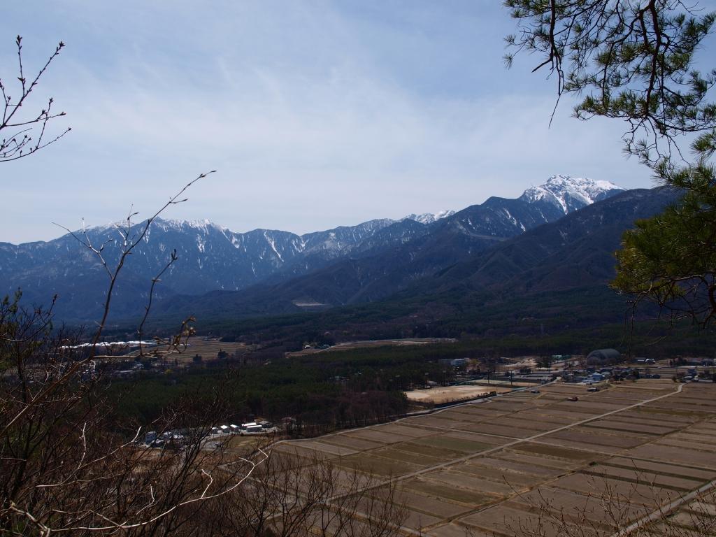 城山公園から甲斐駒と鳳凰三山