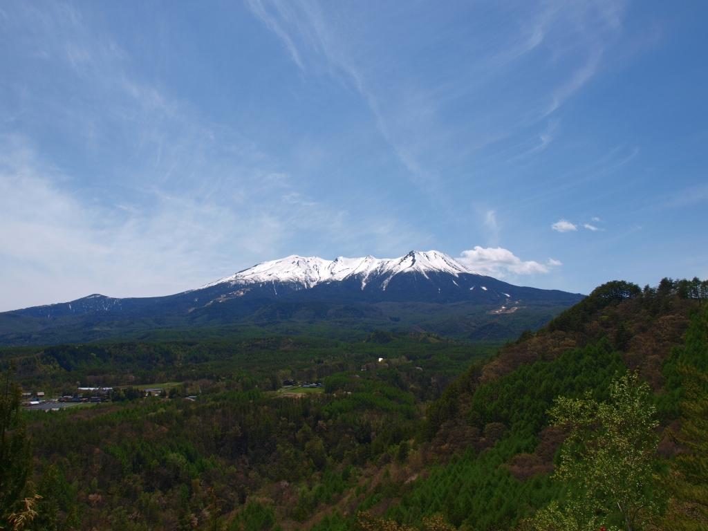 開田高原・九蔵峠から御嶽山遠望1