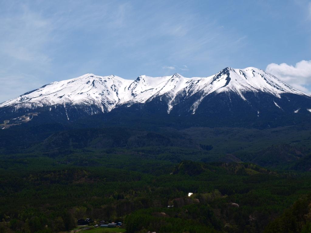 開田高原・九蔵峠から御嶽山遠望2