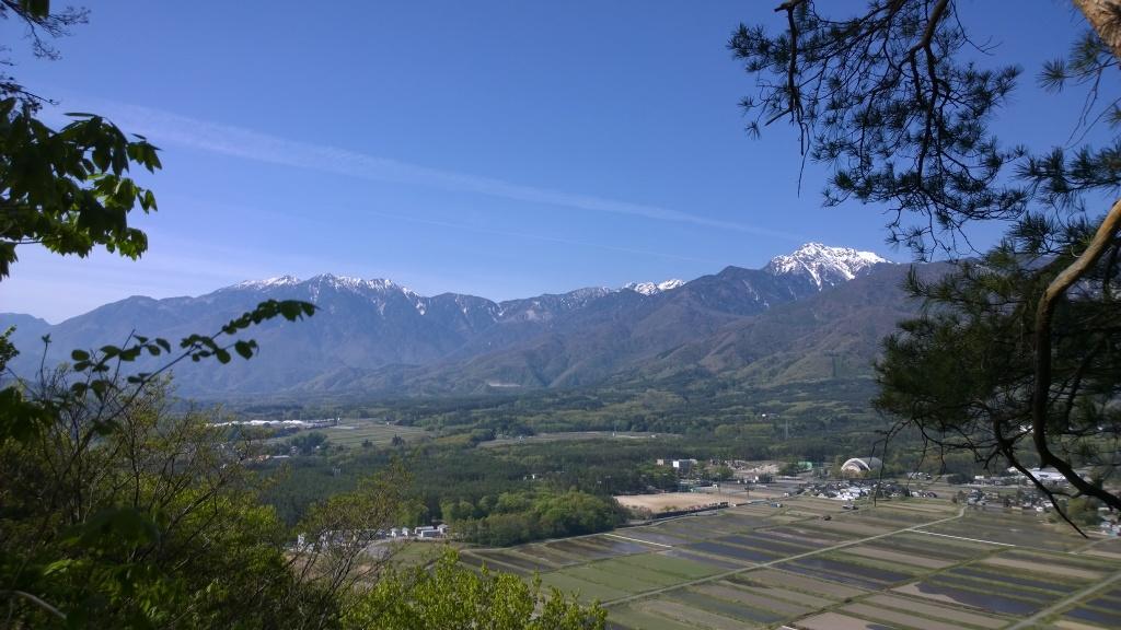 青空の甲斐駒と鳳凰三山