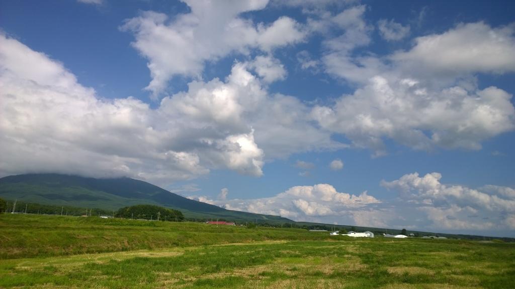 梅雨の夏空と八ヶ岳