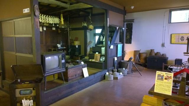 韮崎市民俗資料館内部2