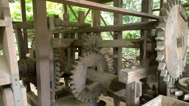 韮崎市民俗資料館・韮崎の水車木製歯車