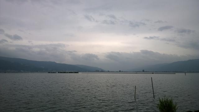 台風間近の諏訪湖