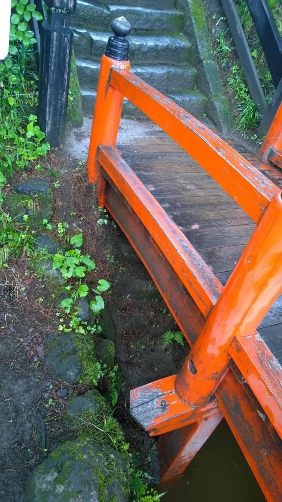 鎌原観音堂の土石なだれに埋もれた階段