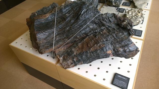 大町山岳博物館2階岩石標本3