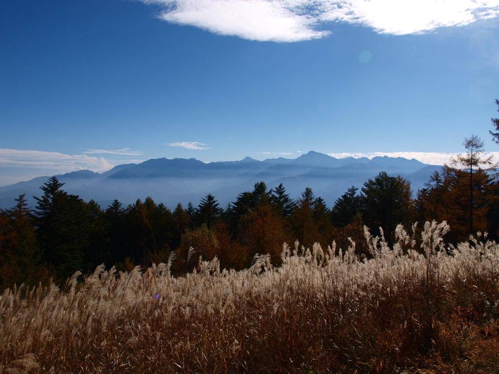 秋の観音平から南アルプス