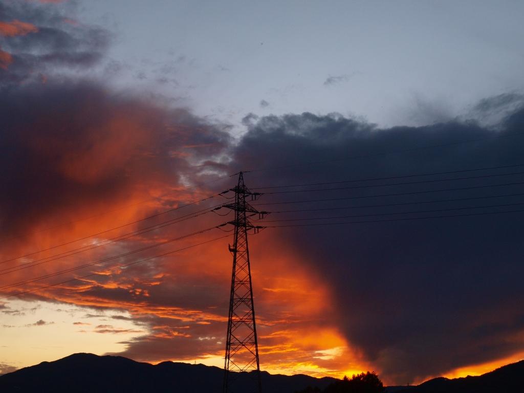 赤く燃える夕焼け