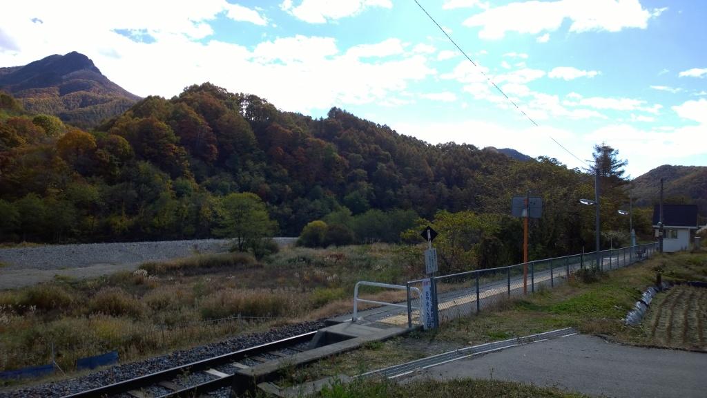 佐久広瀬駅と男山