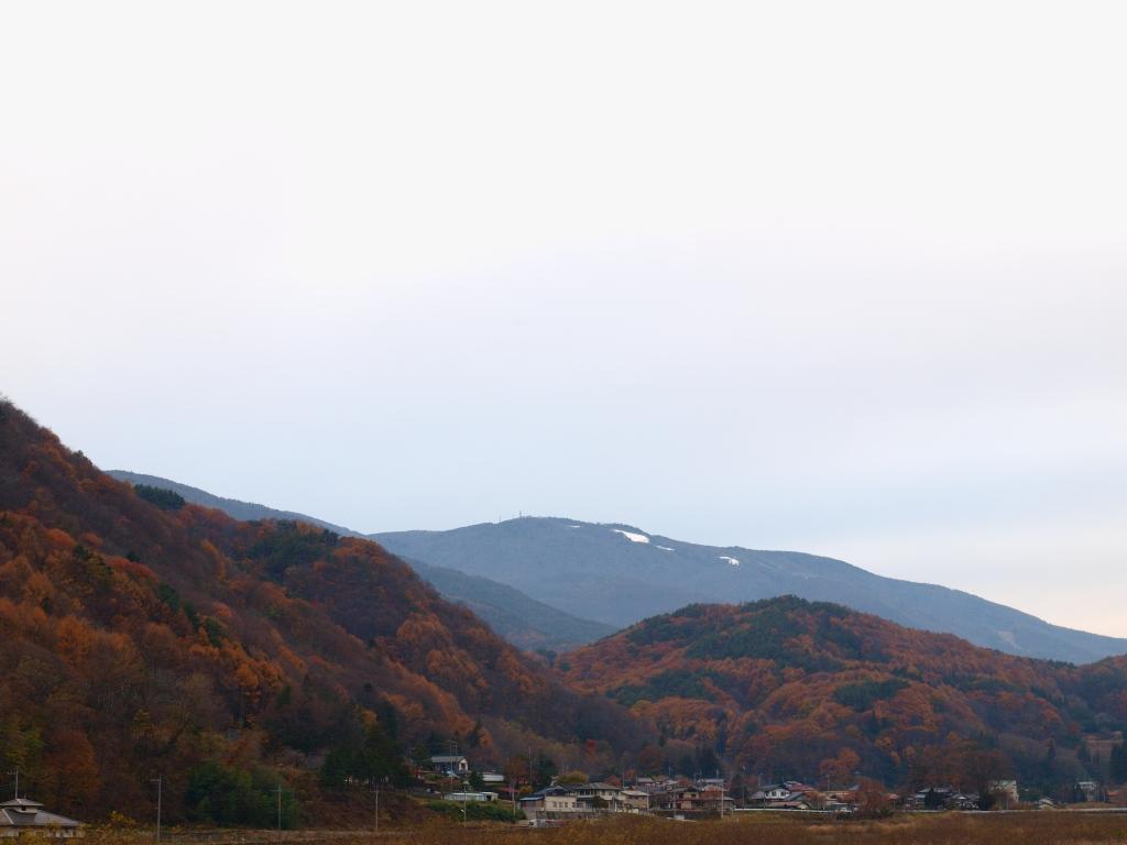 塩沢温泉から入笠山遠望