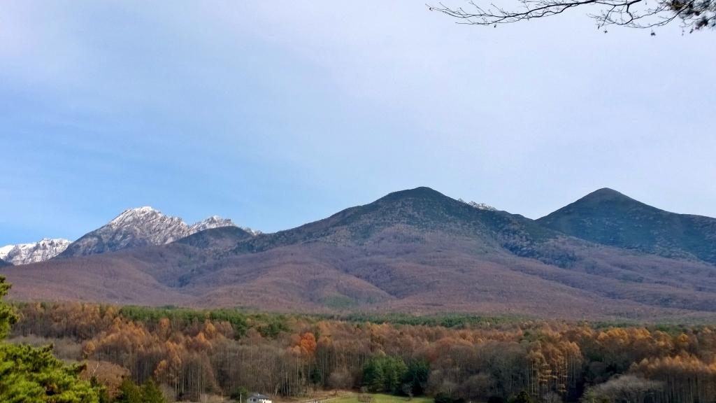 雪を戴く初冬の八ヶ岳