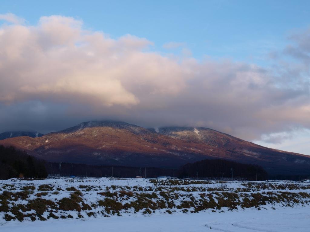 年の瀬の立沢より雪雲と八ヶ岳