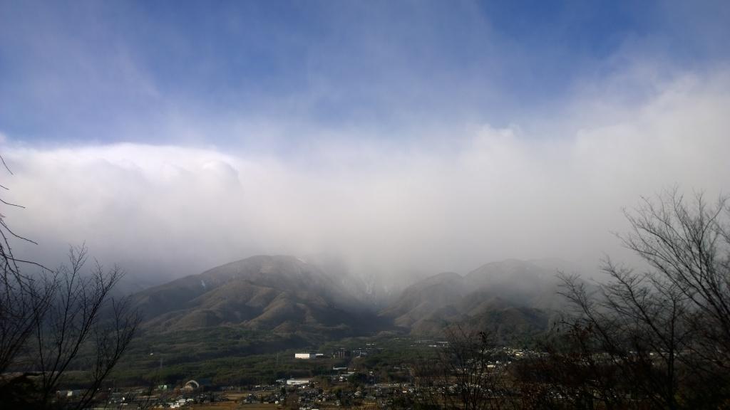 雪雲に覆われる甲斐駒2014.12.5
