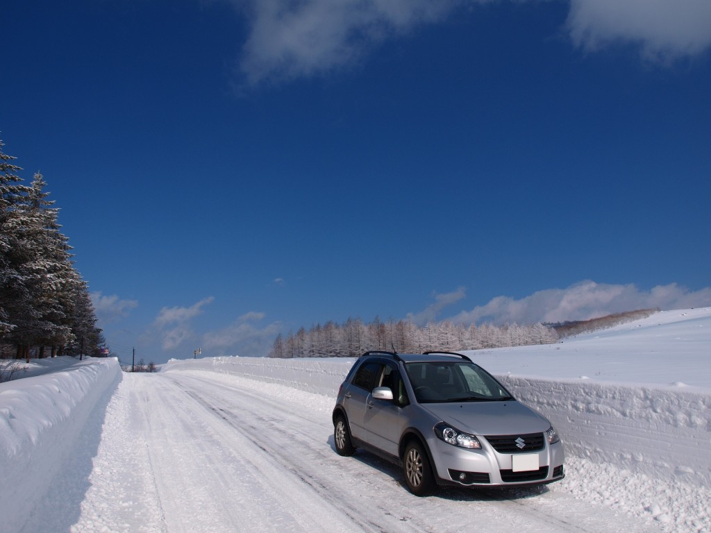 霧ヶ峰の雪原とSX4