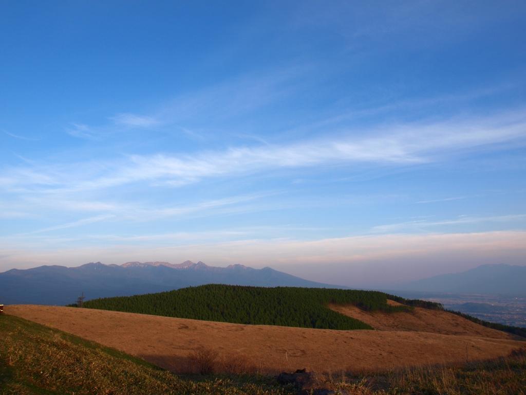 夕暮れの霧ヶ峰から八ヶ岳遠望