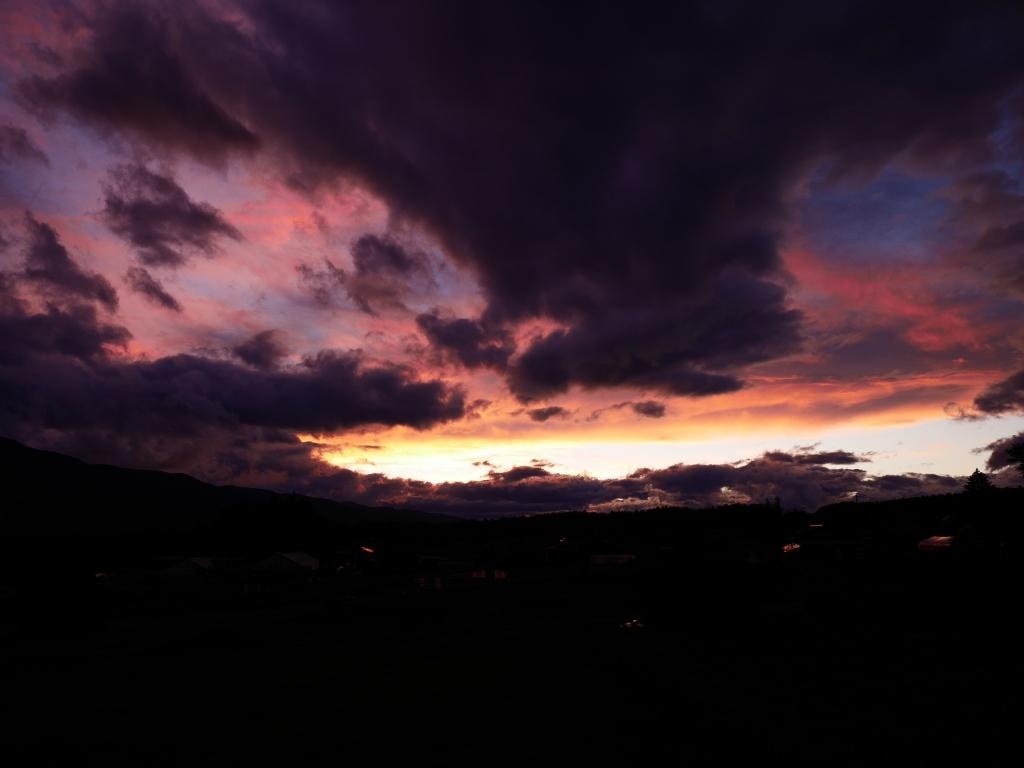 夕暮れに彩なす色