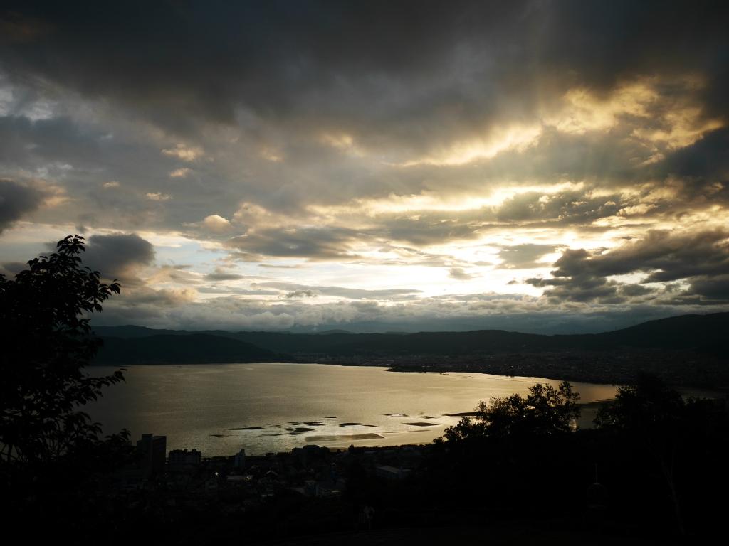 梅雨明けの夕暮れ、諏訪湖1