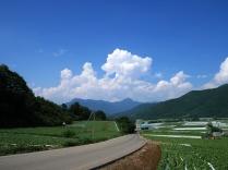 信州峠から川上村を望んで