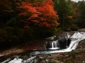曇天のおしどり隠しの滝2
