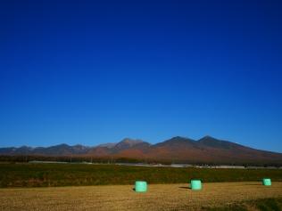 秋空と八ヶ岳