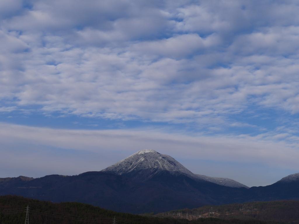 初冬の蓼科山遠望