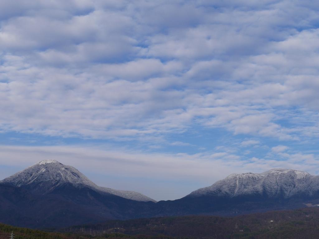 初冬の横岳と蓼科山