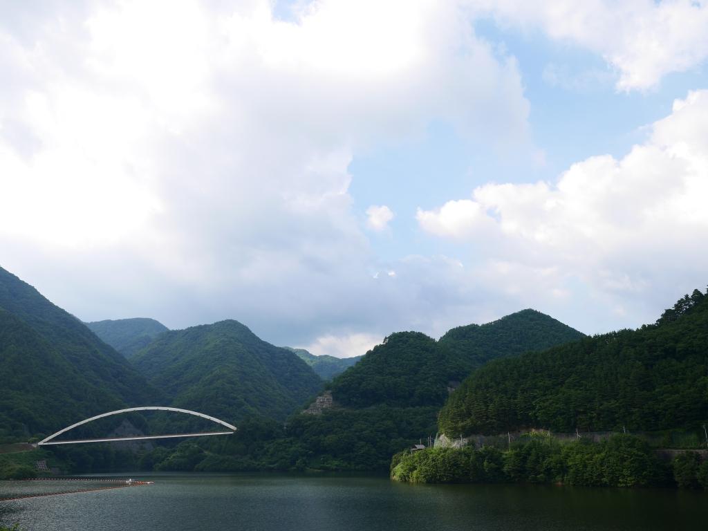 夏空のみずがき湖