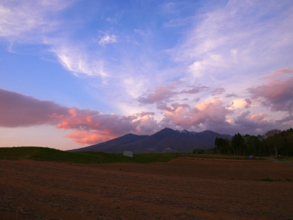 紅色に染まる八ヶ岳の夕暮れ